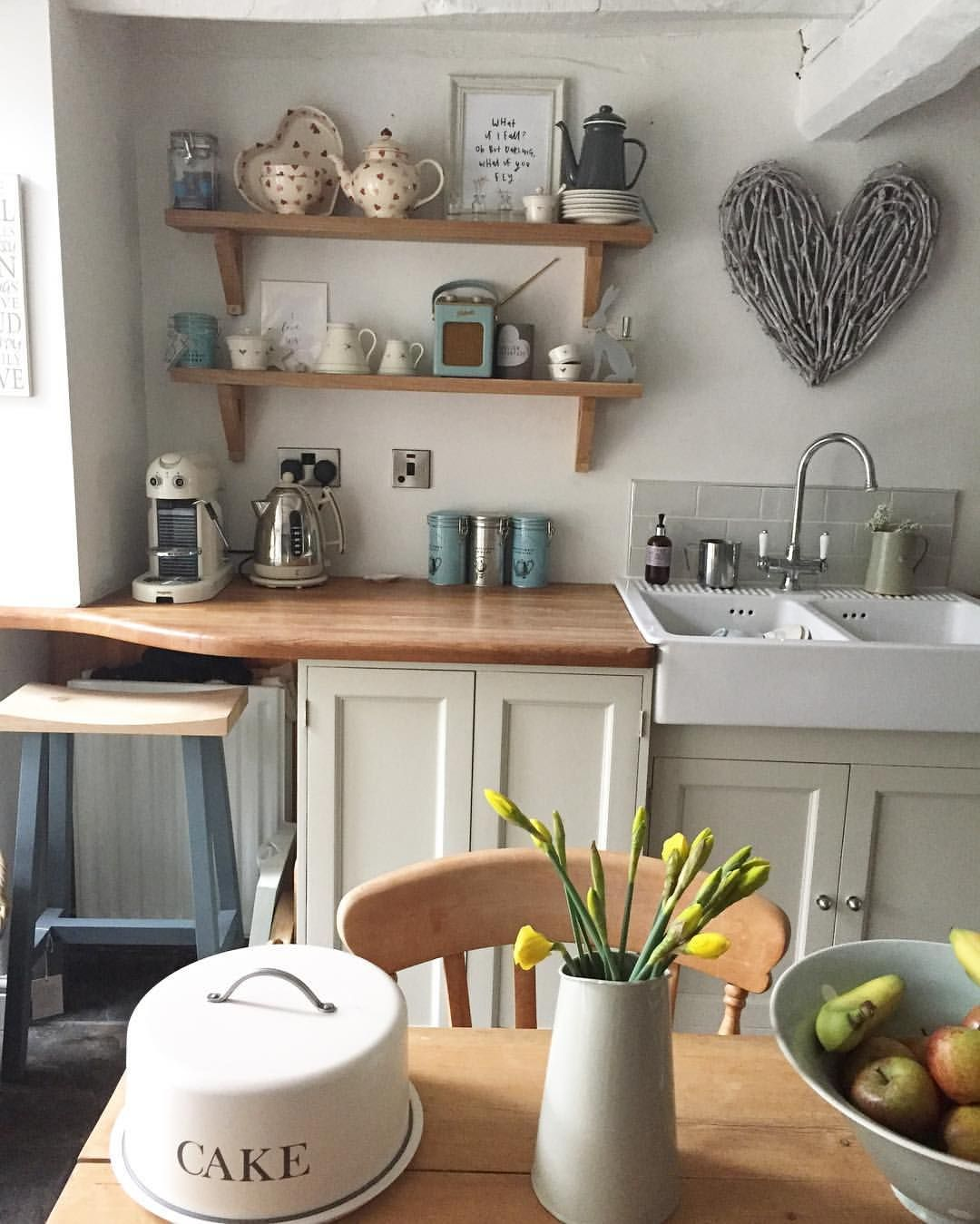 Hahka Happy Cottage Kitchen: Pin By Hannah On Home Décor In 2019