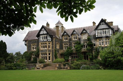 3e1d29912215fe62b026420dce996c70 - Places To Stay Near Bodnant Gardens