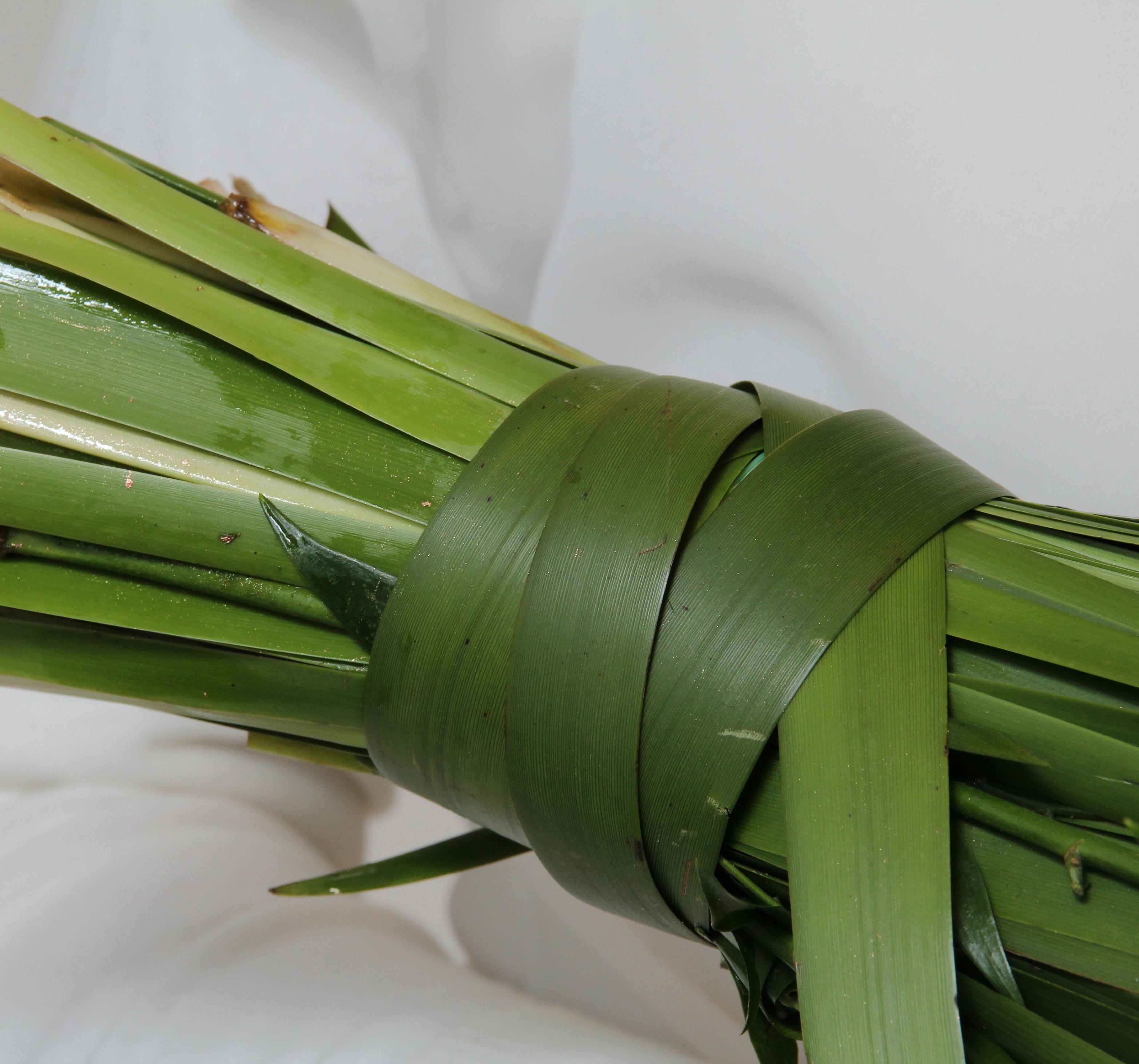 Green Inspiration: Wild Green Wedding Bouquet. Designed by Dorien van den Berg