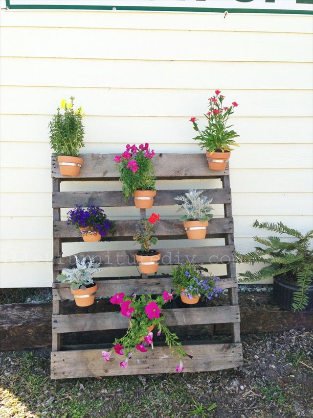 25 Vertical And Box Recycled Pallet Planters Pallets 640 x 480