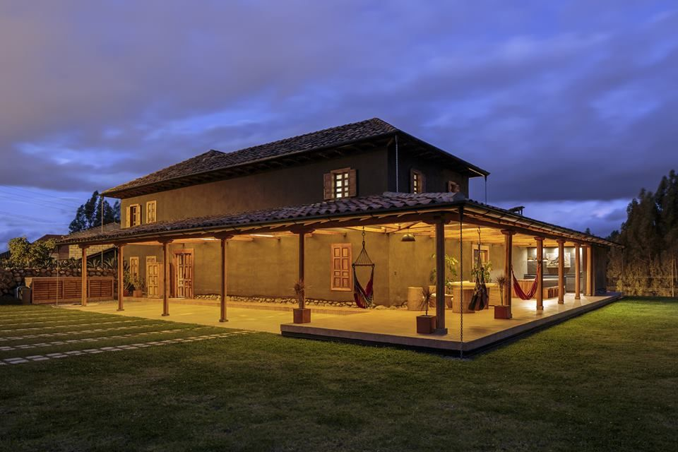 Loma House / Iván Andrés Quizhpe / Ecuador See the full project at archdai.ly/1z0ciZt Photographs © Sebastián Crespo