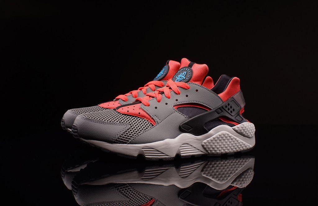 a55a4678ad20 Nike Air Huarache