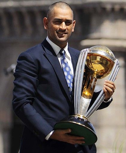 Msd Hope To See You Holding That Trophy Again At The Mcg On 29th Mar 2015 A Lot To Do Before That Thou Cricket World Cup Winners Cricket World Cup World Cup