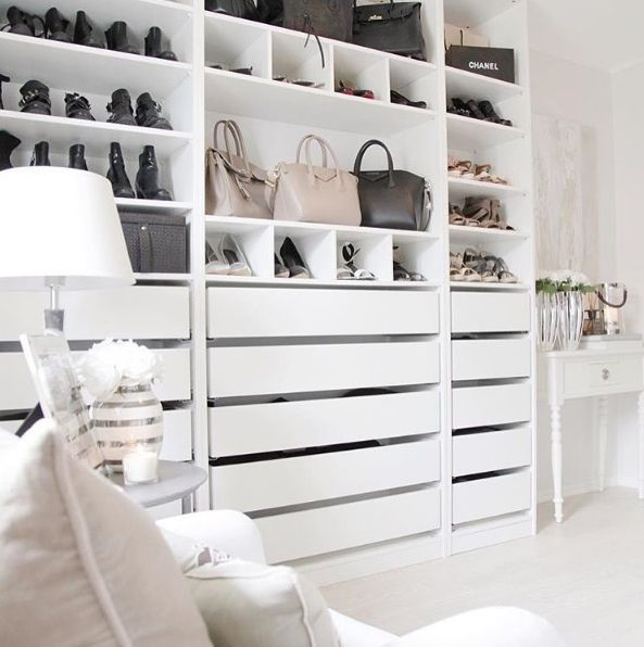 8 amazing black white closets spotted on instagram daily. Black Bedroom Furniture Sets. Home Design Ideas