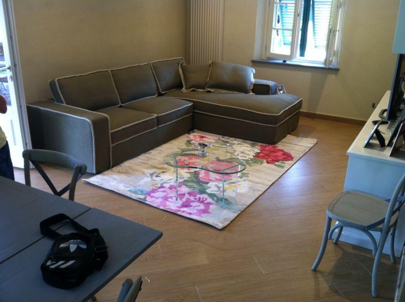 Divano Con Tappeto: Carpetblackboard contrasti tappeti ...