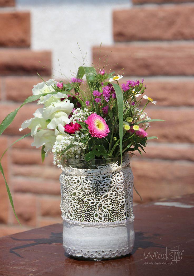 Pin von  weddstylede  Hochzeitsdekoration auf  HOCHZEITSFLORISTIK  Vintage vases Wedding