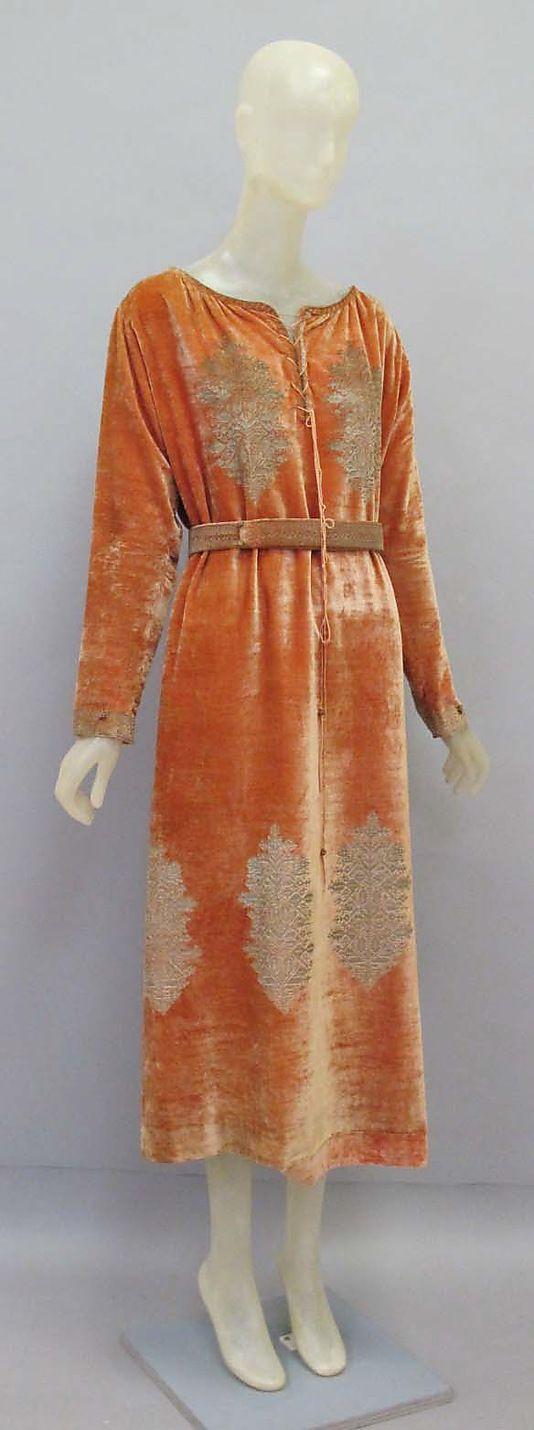 Dress Mariano Fortuny (Spanish, Granada 1871–1949 Venice) Design House: Fortuny (Italian, founded 1906) Date: early 20th century