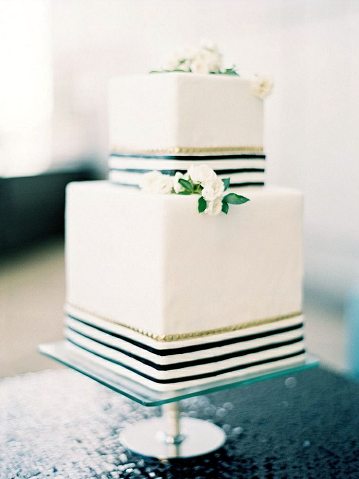 White square wedding cake accents with navy blue and gold | fabmood.com #weddingcake #cake #cakes #whiteweddingcake
