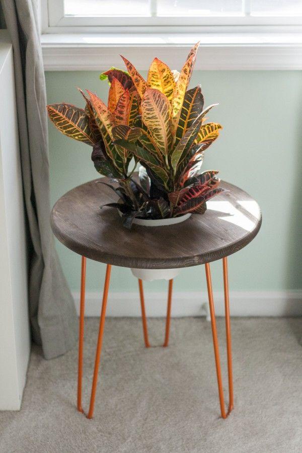 DIY Hairpin Leg Planter Side Table   Dream Green DIY For @ehow