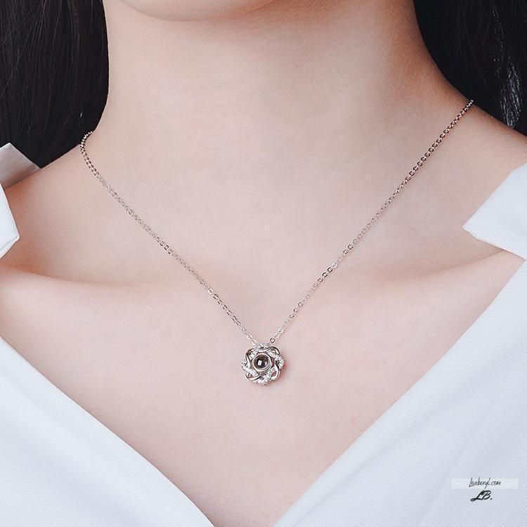 Flower pendant S white beryl heart