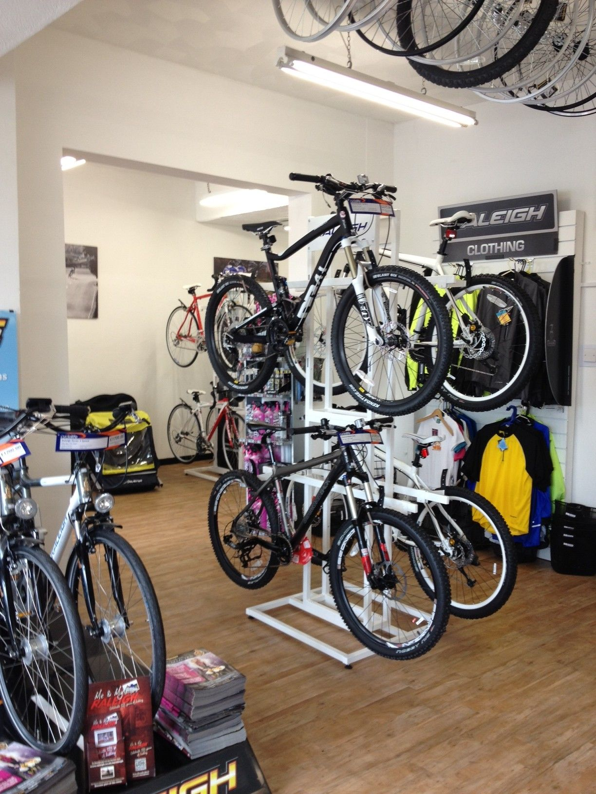 Clean And Tidy Bicycle Shop Bicis