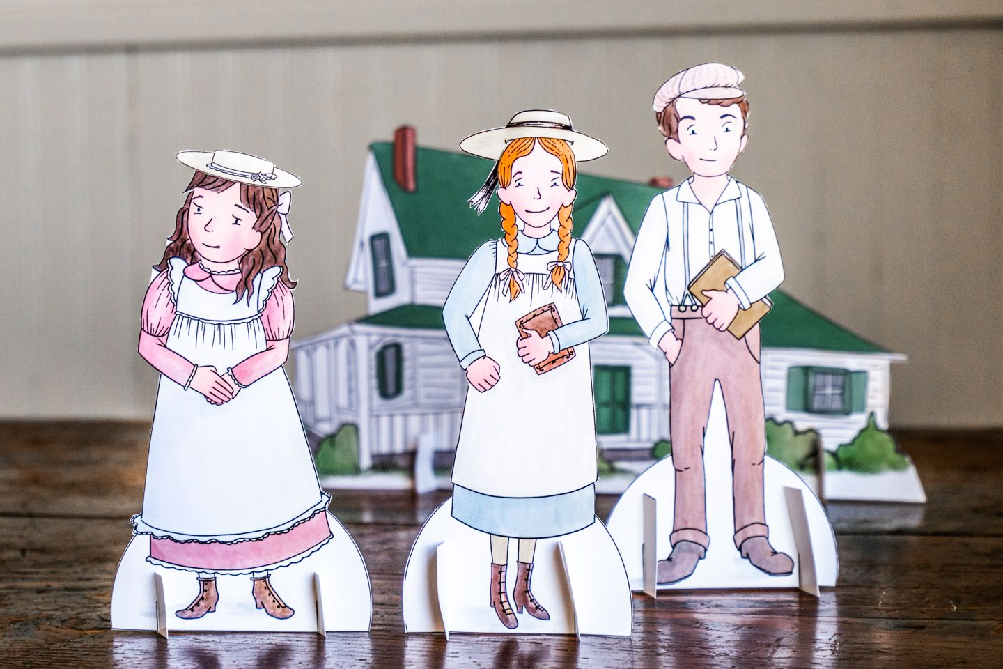 Anne Of Green Gables Paper Dolls Collection In