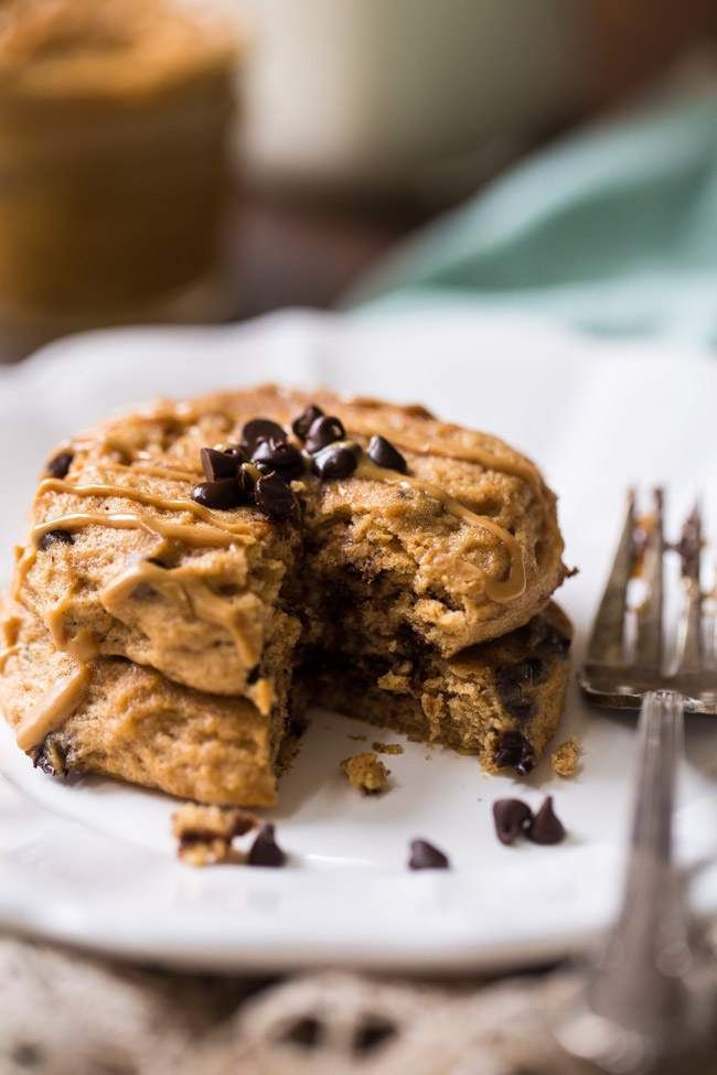 Microwave Chocolate Peanut Er Protein Pancakes Made In The So You Can Have Them On Busy Mornings 210 Calories 25 G Of And