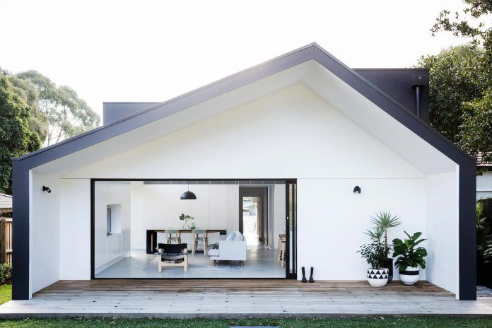 Bright contemporary Californian Bungalow located in Sydney\'s leafy ...