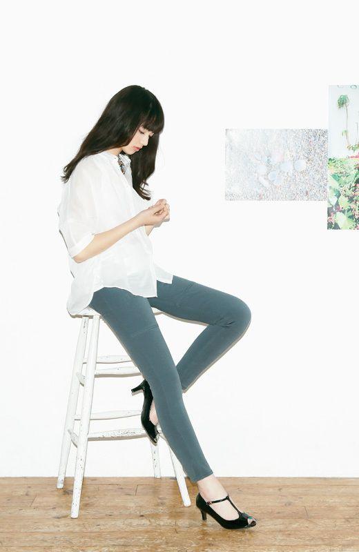 yoimachi:  (via haco. [ハコ]|エムトロワ ふんわりひろがるギャザーシャツの会|フェリシモ) 小松菜奈