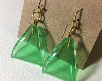 fa02839dcdbe Chapado en oro verde Soda plástico botella triángulo aretes - reciclados -  reciclado - reutilizar