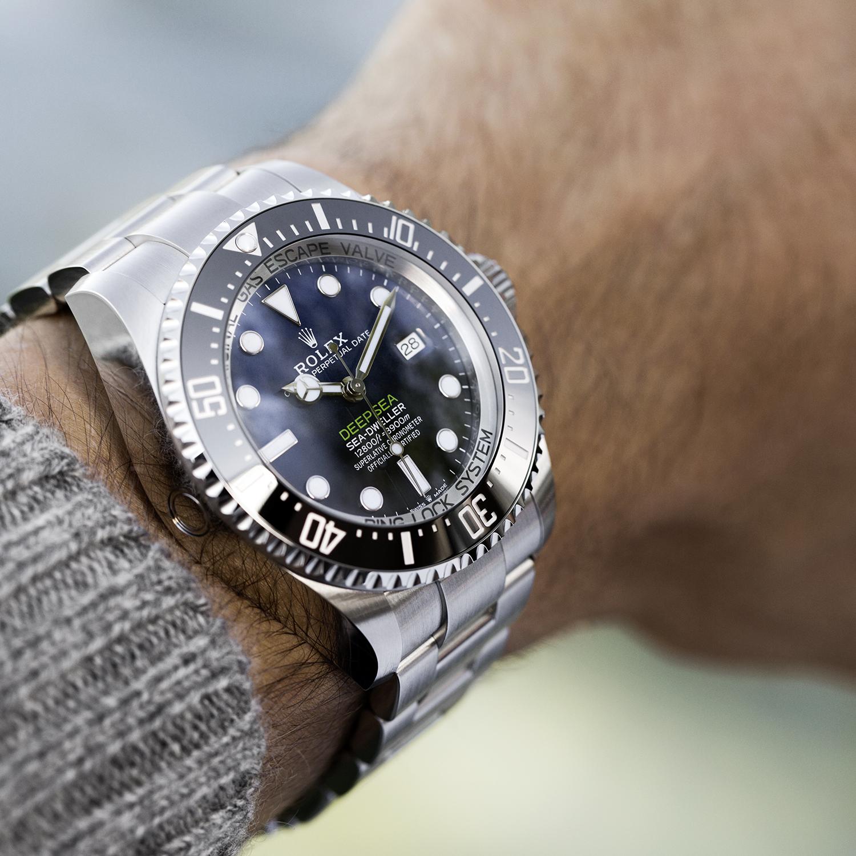 The Rolex Deepsea in Oystersteel, 44 mm case, D,blue dial