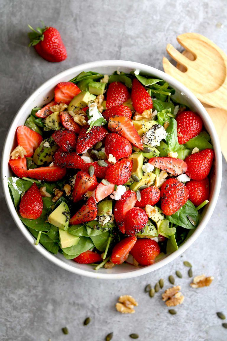 SPINACH STRAWBERRY WALNUT SALAD WITH POPPY SEED DRESSING RECIPE