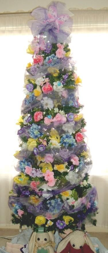 We Re Keeping Our Tree Up All Year And Decorating It For Each Season