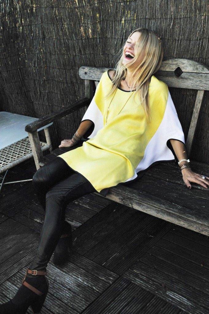 Isabelle THOMAS partage son expérience et ses coups de coeur au quotidien sur son blog « Mode Personnel(le) pour l'Express Style. Le vêtement est bien plus qu'un bout de tissu : c'est tout un langage ! Cette jolie blonde qui manie aussi bien le style BCBG que l'allure rock'n roll vient d'ailleurs de sortir un livre, « Cultivez votre style ». Un guide de mode et d'allure, qu'elle a élaboré avec l'aide de la photographe Frédérique Veysset.