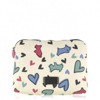 The Love Me, Love My Dog cosmetic bag is a charming way to keep cosmetics safe and secure, at home or on your travels. Finished with oilskin and featuring our playful Scottie dog inspired print, it is the ideal Valentine's day gift for all dog fans.