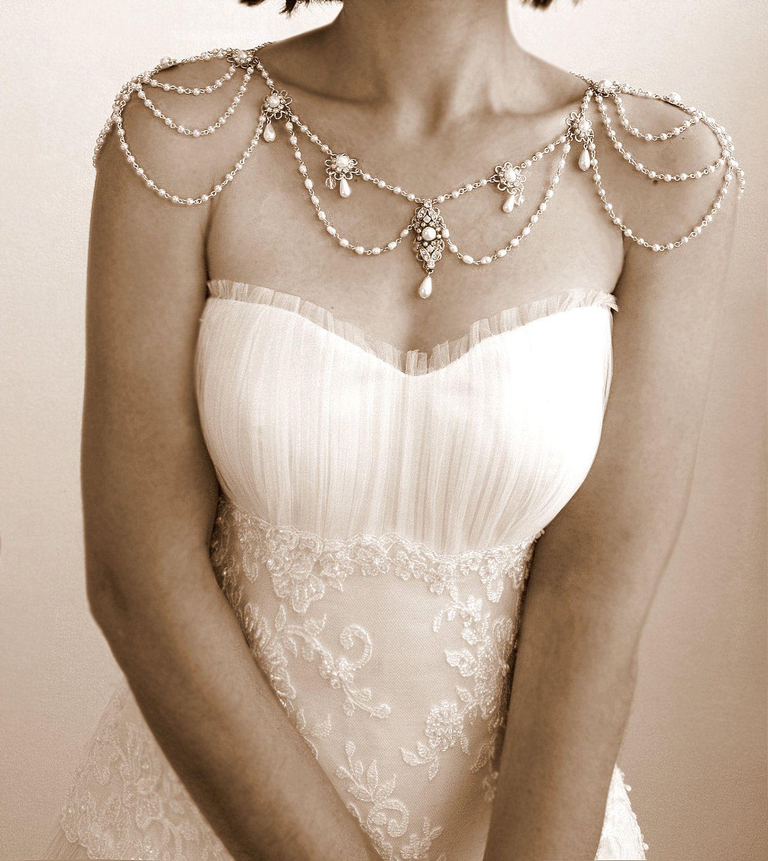 Necklace For The ShouldersBackdrop Necklace1920Pearls