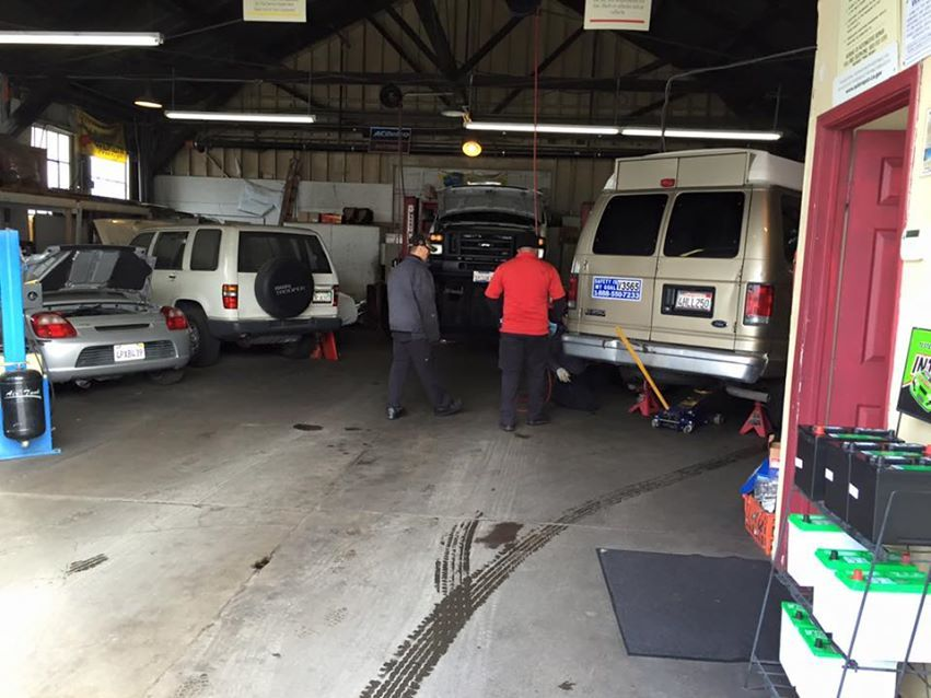 Ma's Auto Body Car Body Shops in San Mateo, California