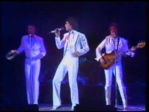 Donny & Jimmy Osmond - Boogie Wonderland.I love Donny singing.Please check out my website thanks. www.photopix.co.nz