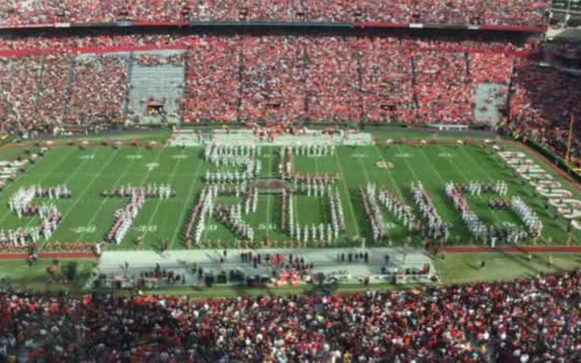 From 2015 Carolina, Clemson bands come together for