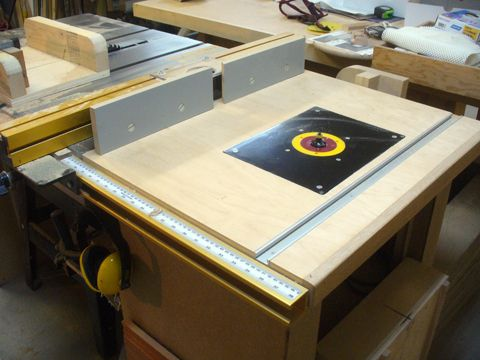 I recently got around to moving my router from a standalone router a table saw extension router table ravenview greentooth Image collections