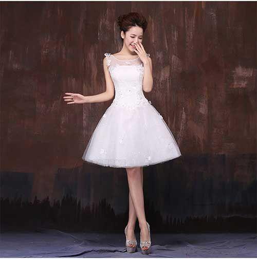 Tire suas dúvidas sobre o vestido de noiva curto e saiba como escolher Ao pensar em casamento, o vestido de noiva é algo que representa um forte simbolismo. Ao longo dos anos o visual tradicional da noiva com vestido branco e longo foi sendo modernizado e atualmente as mulheres tem mais opções de escolhas. O …