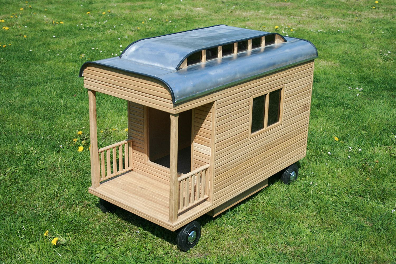 hundeh tte zirkuswagen hundeh tte pinterest hunde hunde haus und h tte. Black Bedroom Furniture Sets. Home Design Ideas