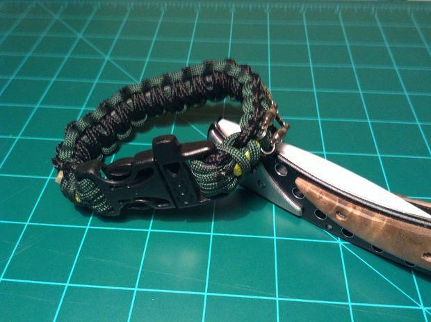 Survival Kit Inside A Paracord Bracelet Paracord Survival