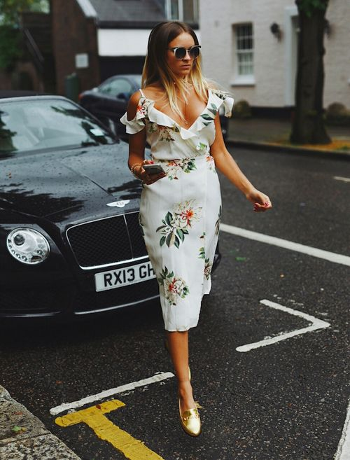 I adore these gold shoes paired with the floral dress