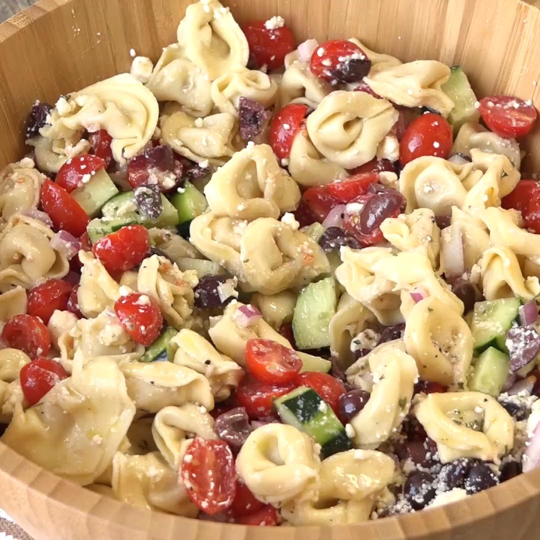 Greek Tortellini Salad #foodsides