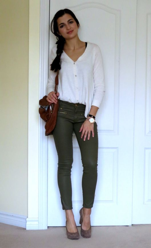 b7e0383dea54c Olive green pants from Zara, can't wait to wear this when it warms up!