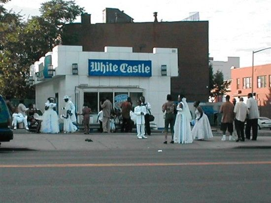Look At These Funny Ghetto Wedding Pictures Nowaygirl Funny Wedding Pictures Funny Wedding Photos Awkward Wedding Photos