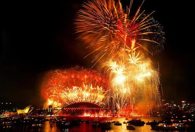 Your Month To Month Guide To Australia Weather Events Holidays Sydney New Years Eve New Year Celebration Australia Weather