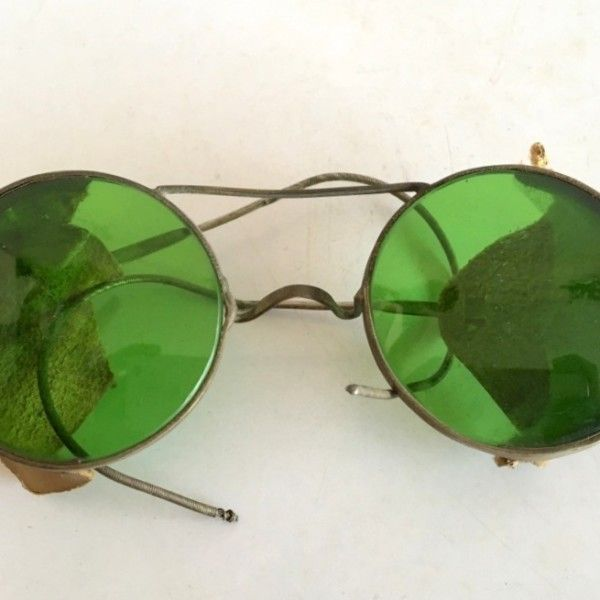 9a81cbea3 Vintage Old Rare Round Green Glass Safety Glasses leather Sides Spectacles  1900