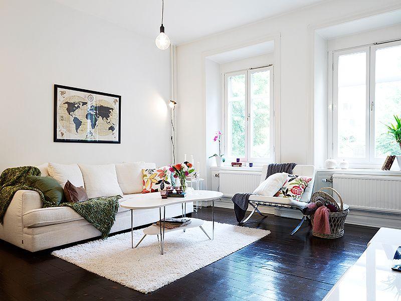 Piso con suelo de madera negro decoraci n para el hogar for Decoracion en madera para el hogar