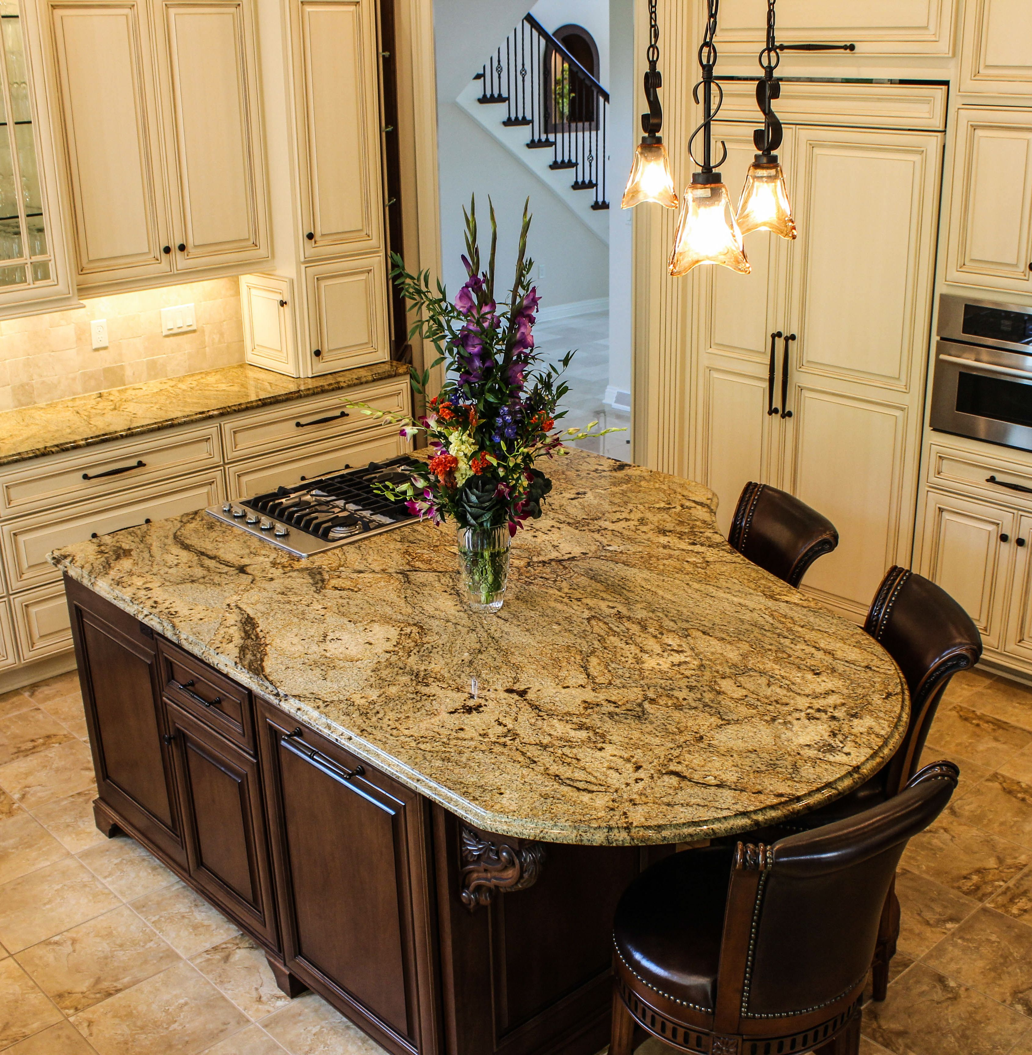 U Shaped Kitchen Design With Island: A Magnificent Grand Piano Shaped Granite Island.
