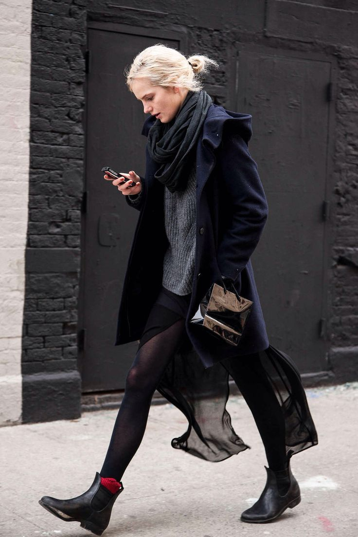 Streetstyle in Black // Klasse Outfits findest Du bei uns in der #EuropaPassage. #EuropaPassageHamburg #Outfit #fashion #Mode #streetstyle