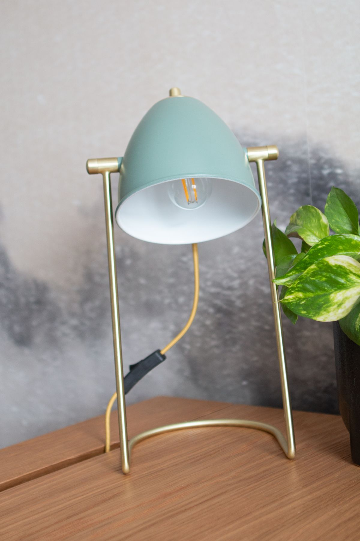 Fila Green Table Lamp In 2020 Green Table Lamp Table Lamp Lamp