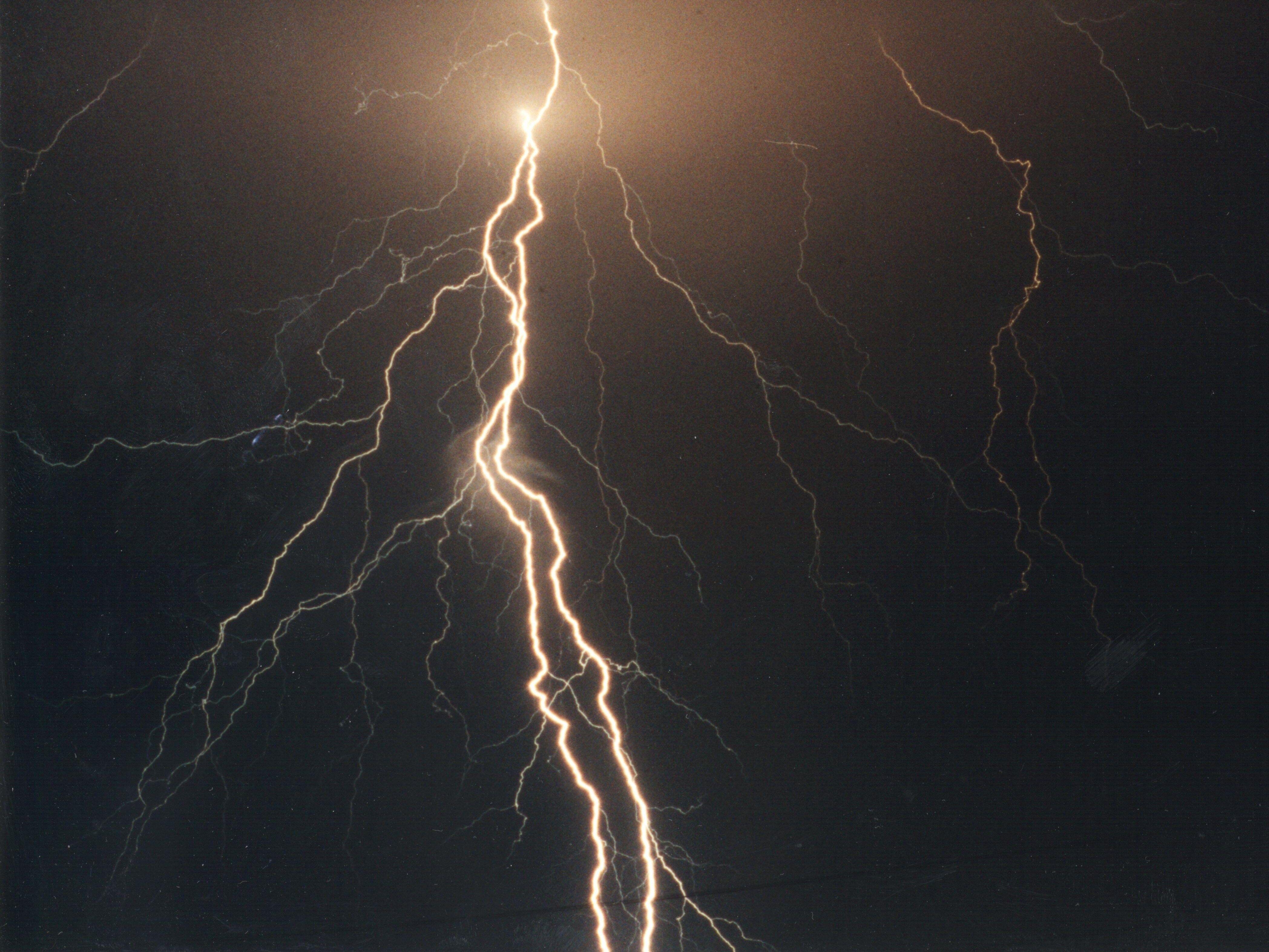Full Size Lightning