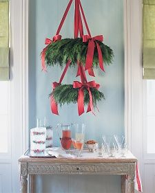 "Cedar Wreath ""Chandelier"" 