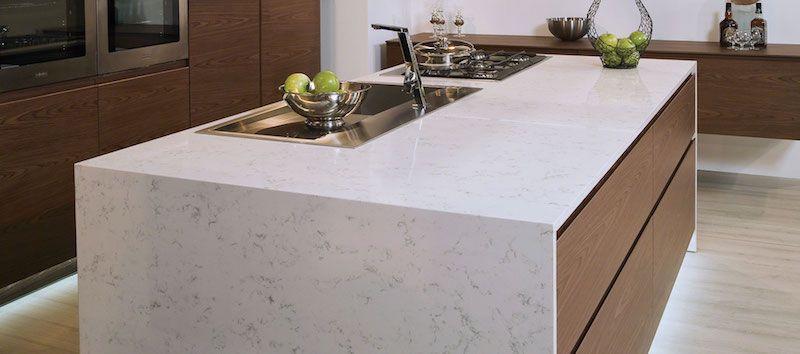 Plan de travail en pierre - le granit, le quartz, le stéatite ou le