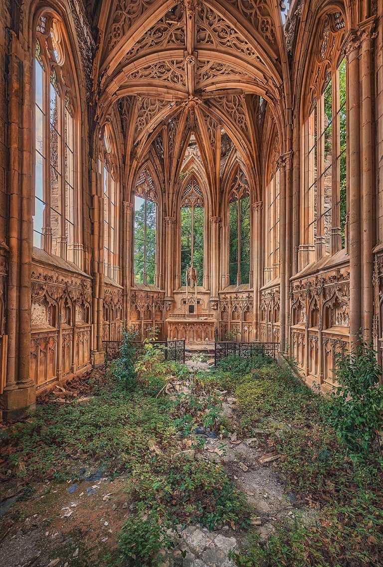 Explorer Matthias Haker Discovers Crumbling Churches, Overgrown Synagogues and Golden Chapels