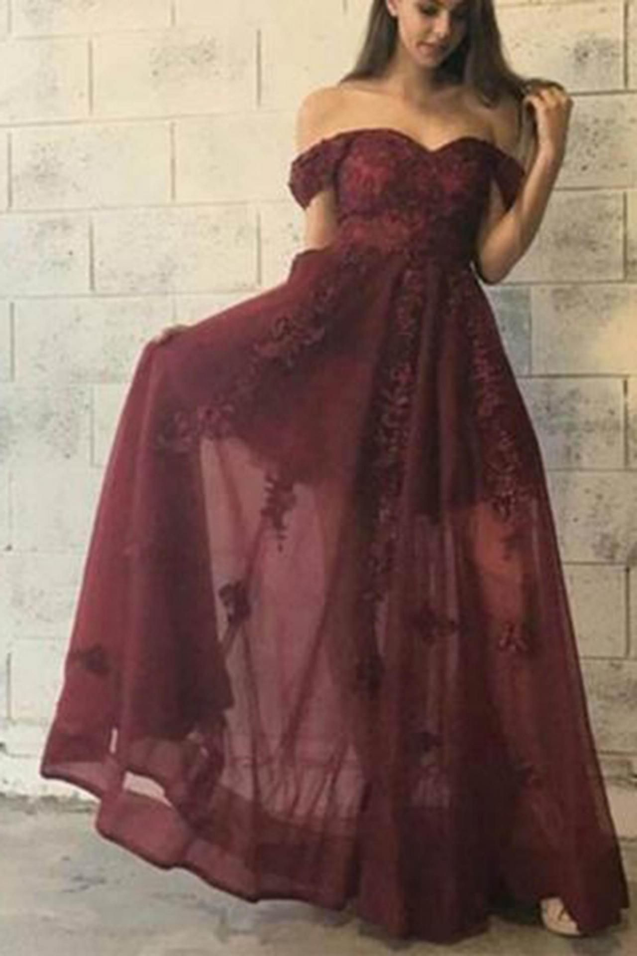 Makeup for burgundy lace dress