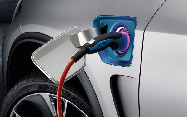 Rolls-Royce planning plug-in hybrid