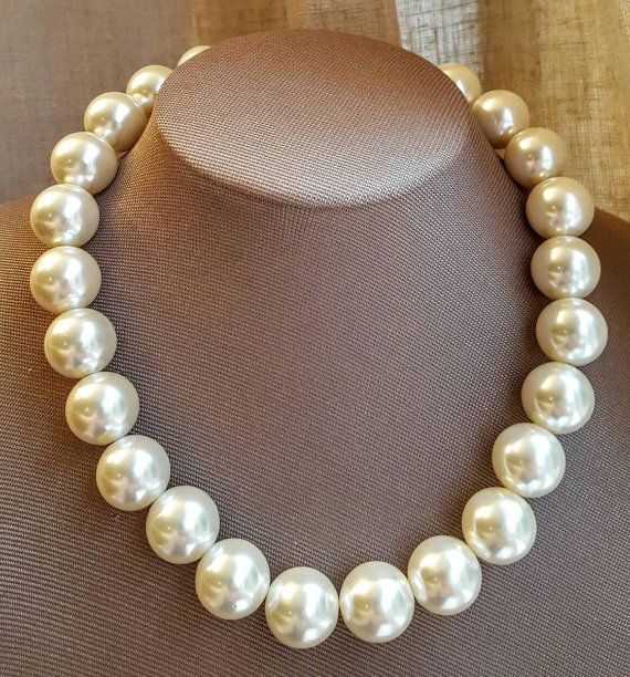 boho pearl necklace,pearl for bride,jewelry for wedding large pearl necklace,statement necklace Chunky Multistrand pearl necklace